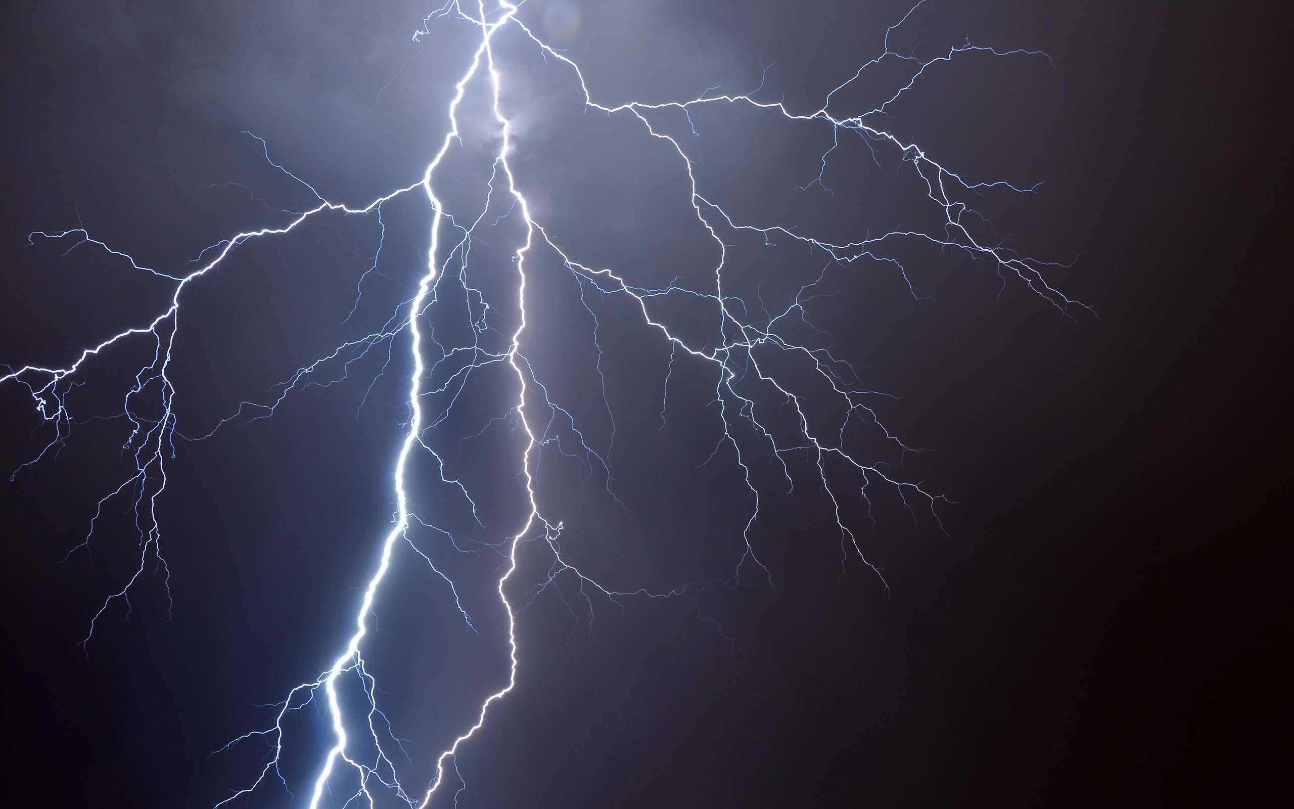 nice-lightning-storm-one-night